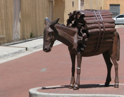 The Burro Statue – With his Tail
