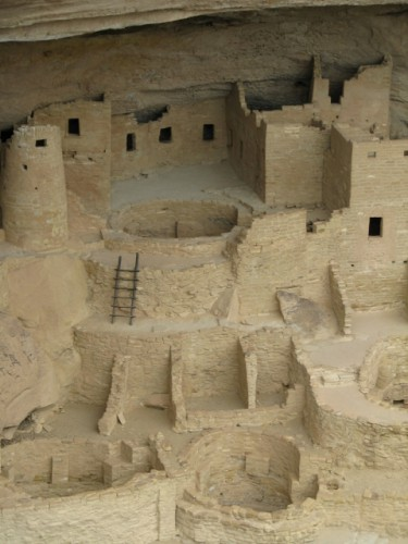 A close up showing some of the kivas at Cliff Palace