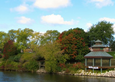 The beginning of the fall color change – the Manistee River Walk
