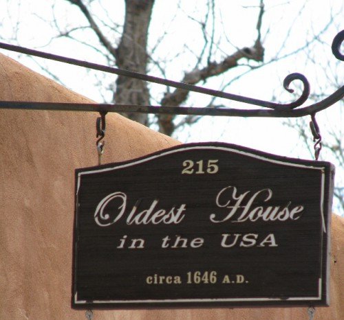 The sign marking the Oldest House in the USA