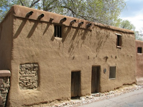 This humble home was built around 1646