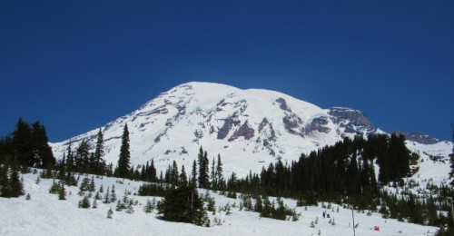 View of Mount Rainier - a cloudless sky!