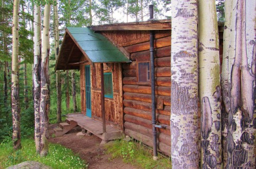 One of the small cabins at the Holzwarth Historic Site