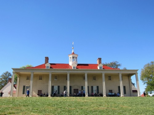 The river side of Mount Vernon - a great place to catch a cooling breeze.