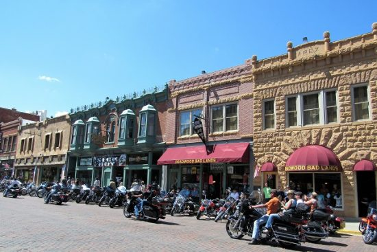 Deadwood after it began to fill up with bikers!