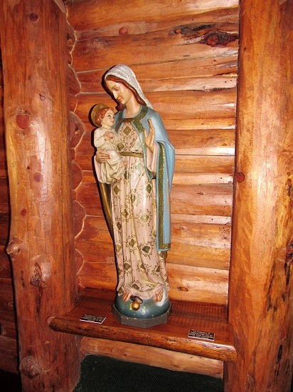 Mary with Jesus in the chapel