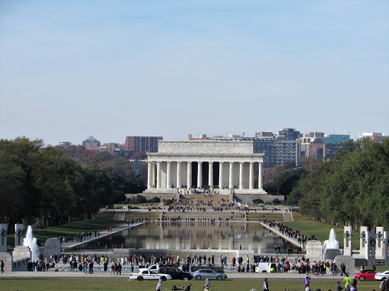 The Lincoln Memorial with the WWII Memorial (foreground)
