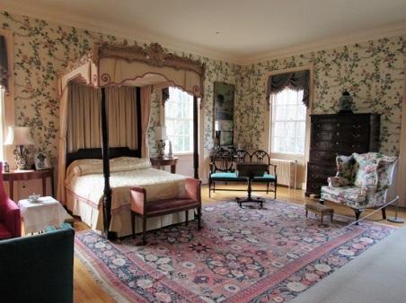Swan-Bedroom