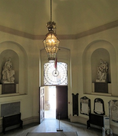 The entry of the Naval College Chapel