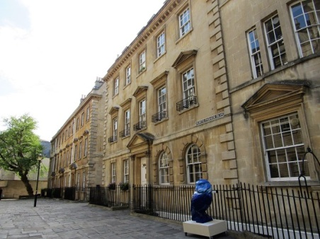 A blue owl in Bath