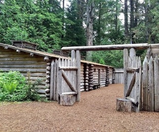 Fort-Clatsop-Entrance
