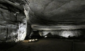 Mammoth-Cave-Room