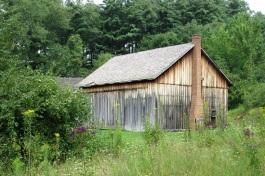 A historic barn near the Hale Farm