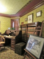 First-Ladies-McKinley-Desk-View