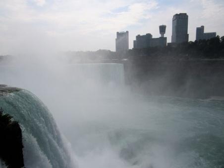 Niagara-Falls-Mist