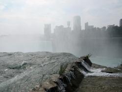 Niagara-Falls-Skyline