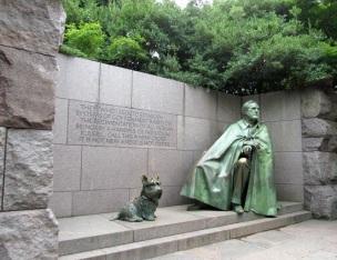 DC-FDR-Monument-Dog