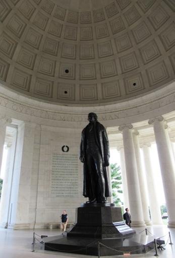 DC-Jefferson-Memorial-Statue